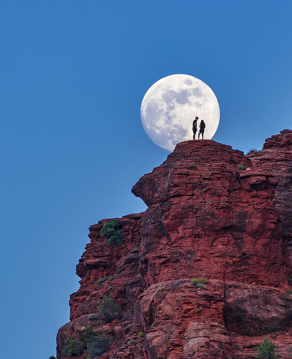Bell Rock,sedona,moon,arizona, photo