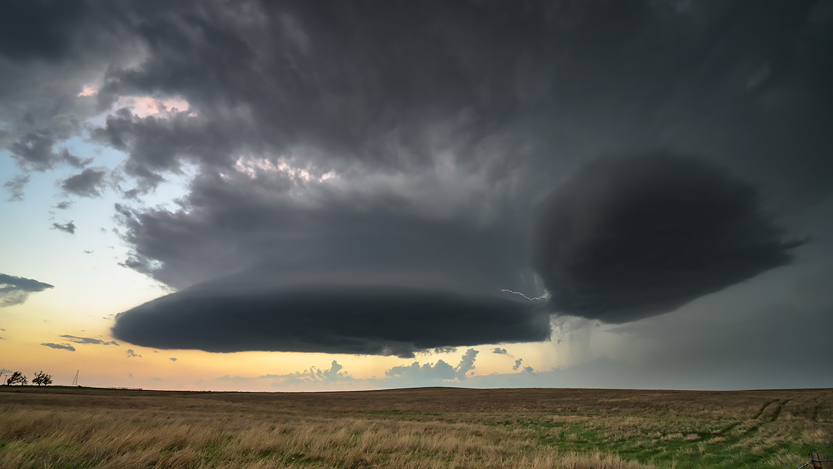 Kansas, supercell, lightning, photo