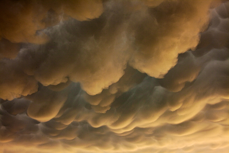 mammatus,clouds,Kansas, photo