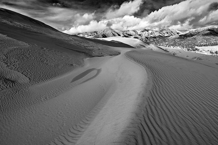 Curves on top of the Great Sand Dunes.