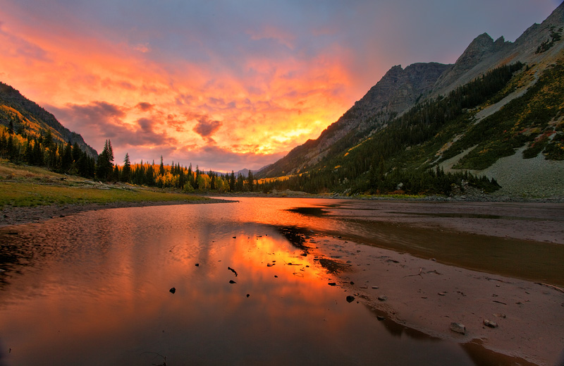 Crater Lake,Maroon Bells,Aspen,Colorado,sunrise