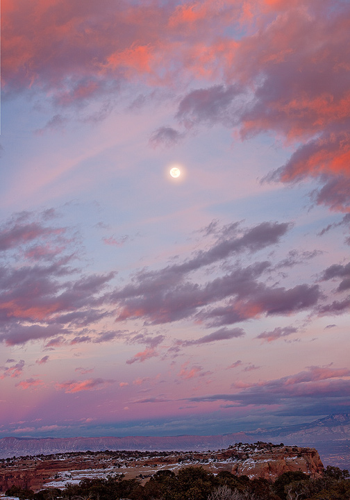 moonrise,Colorado National Monument,Colorado, photo
