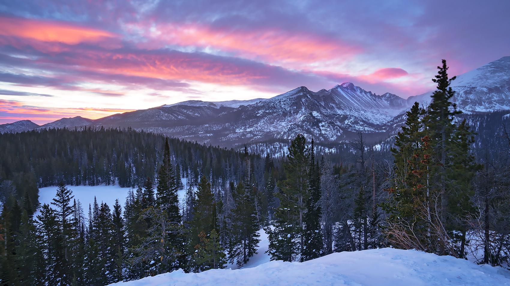 Longs Peak, Rocky Mountain National Park, Colorado, sunrise, photo
