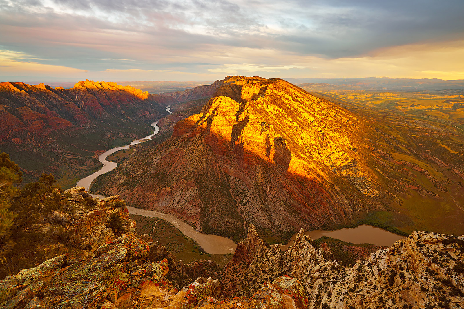 Ruple Point, Dinosaur National Monument, Colorado. sunrise, photo
