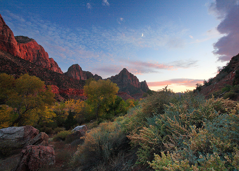 Watchman,moon,Zion,Utah, photo