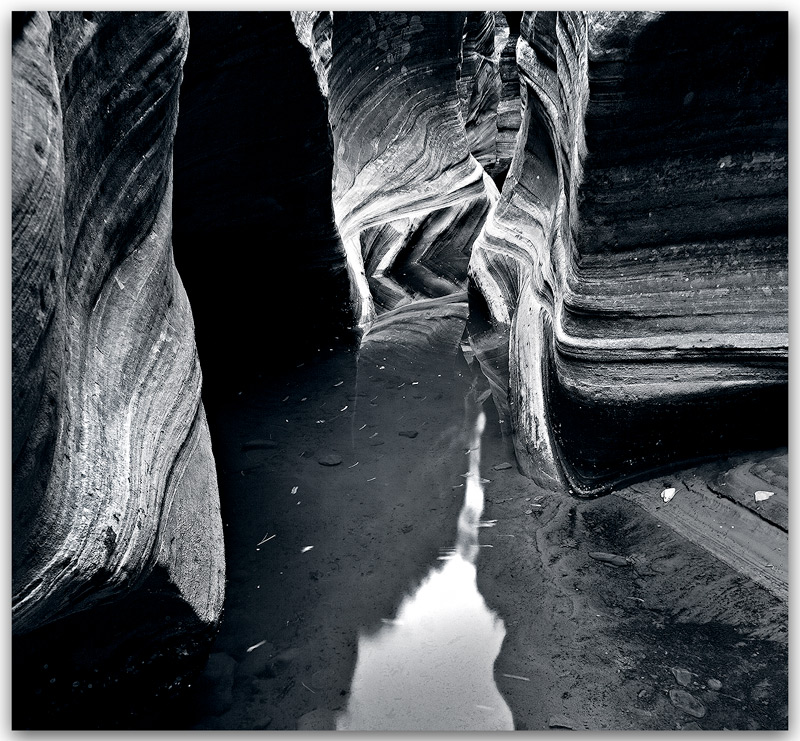 Zion national park,slot canyon, photo