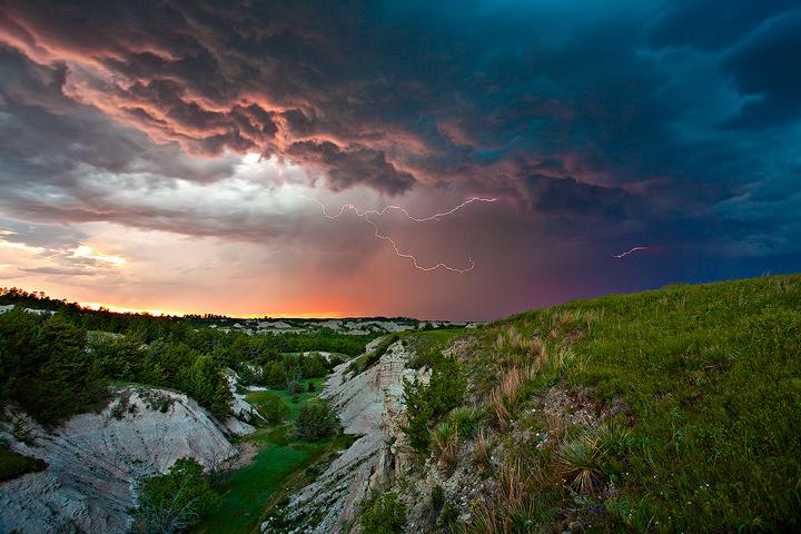 Badlands,supercell,thunderstorm,South Dakota, photo