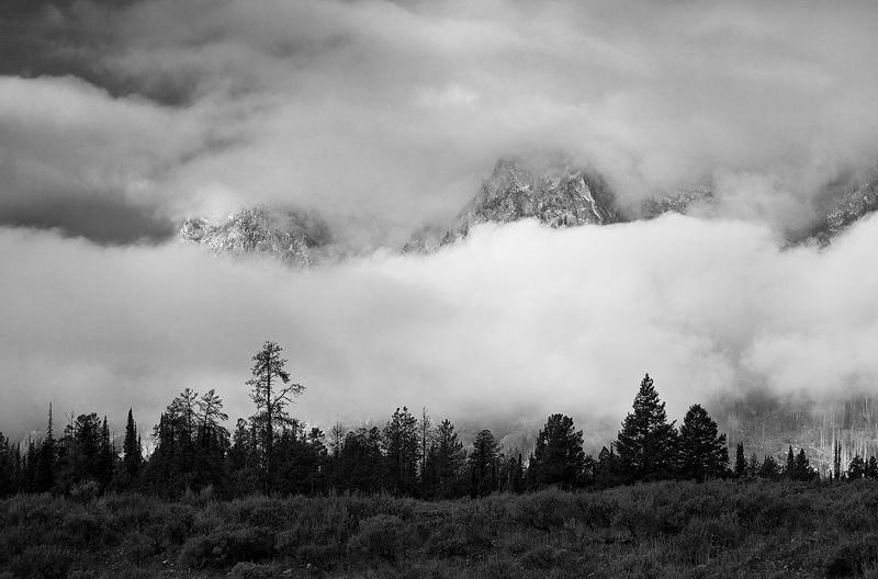 fog,Tetons, photo