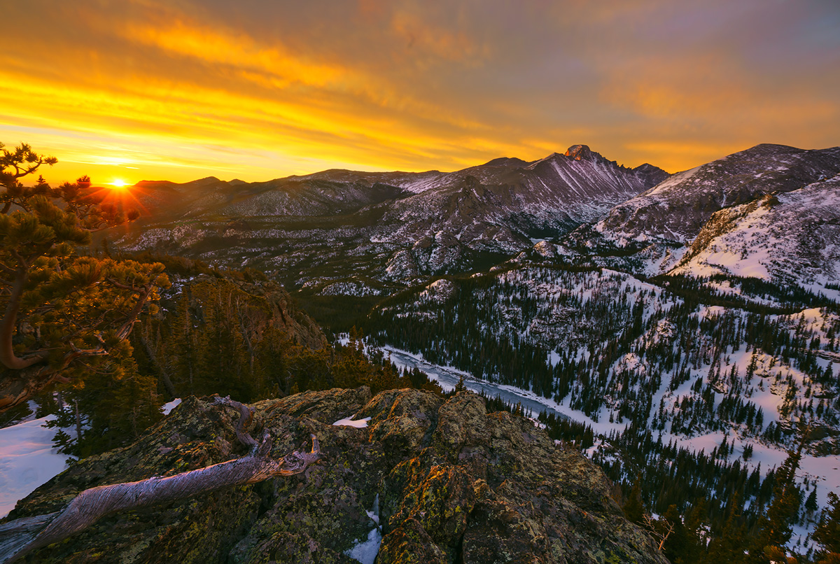 Flattop Mountain, sunrise, winter, rocky Mountain National Park, Colorado, photo