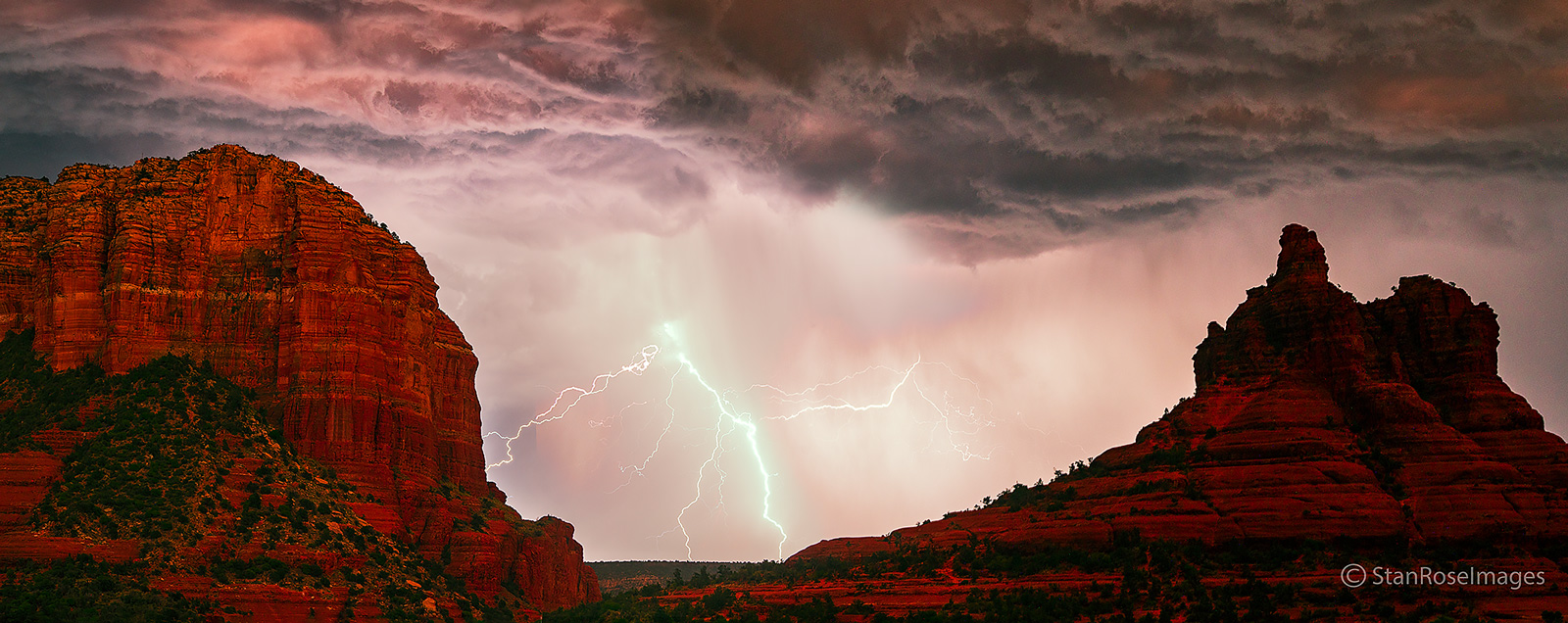 Courthouse rock,Bell Rock,lightning,sedona, photo