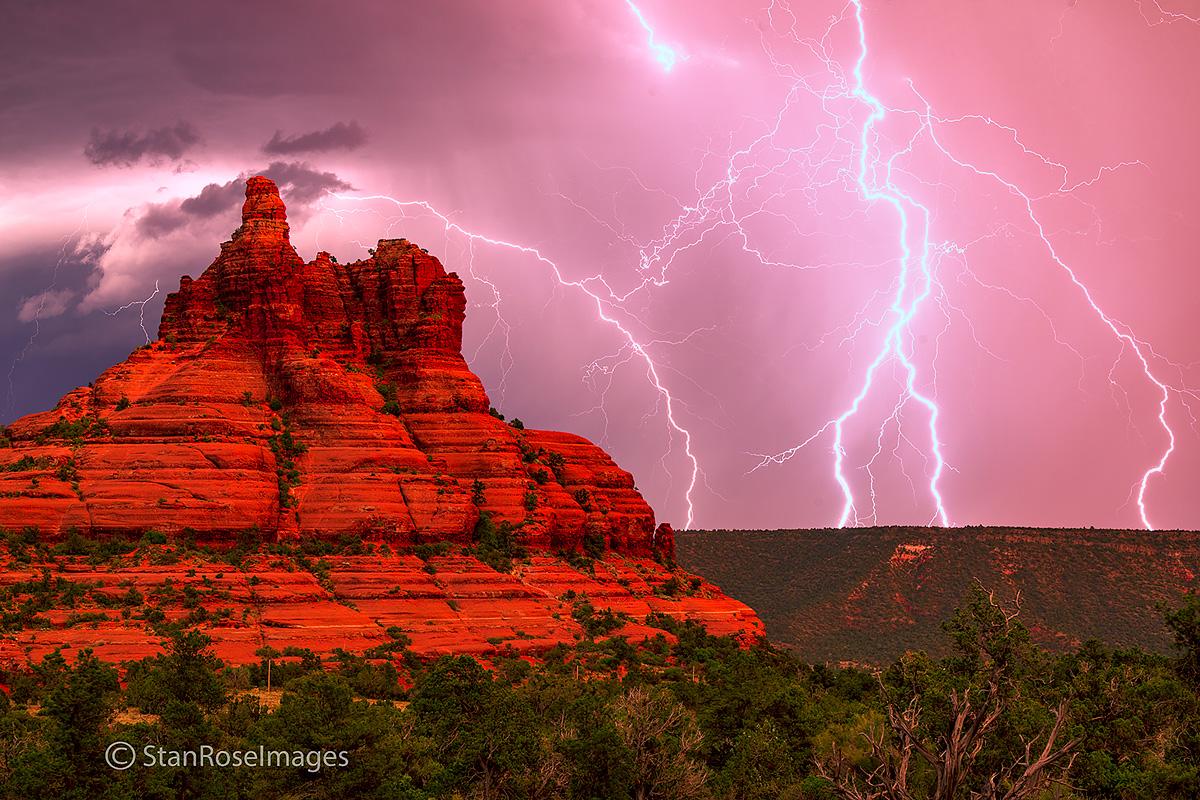 Bell Rock,Sedona,lightning, photo