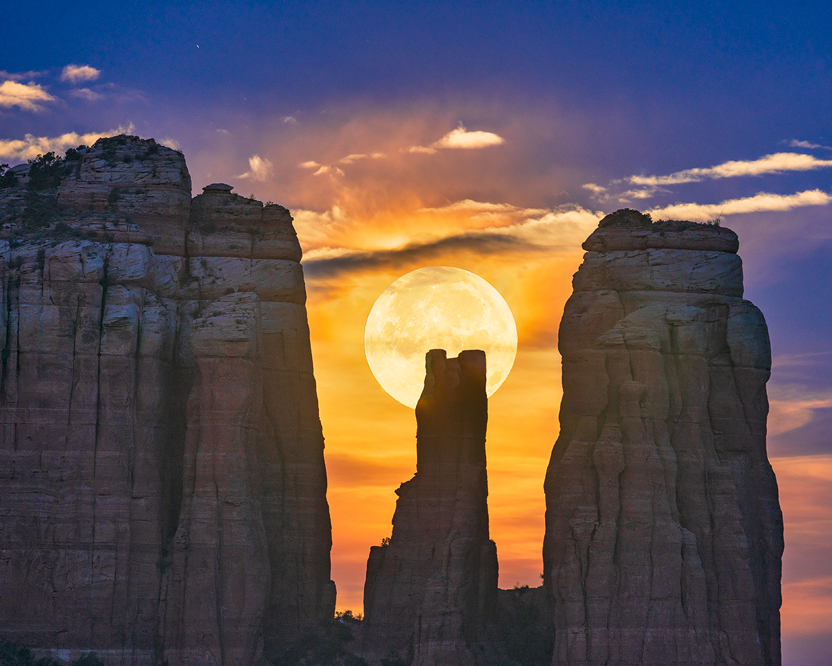 moon,Cathedral Rock,sunset,sedona, photo